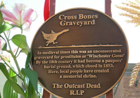 Cross Bones Memorial gates - plaque (photo: Katie Nicholls)
