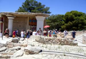 Tour Guide with umbrella at Knossos
